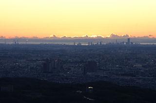 日の出直前の横浜方面