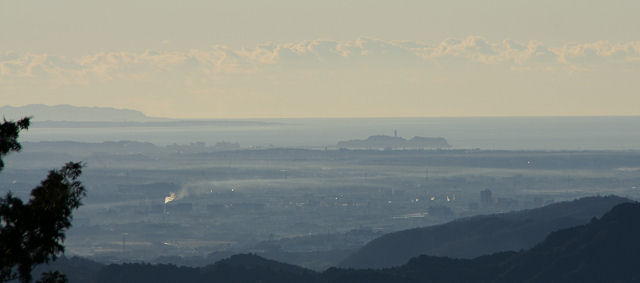 高尾山頂からの江ノ島